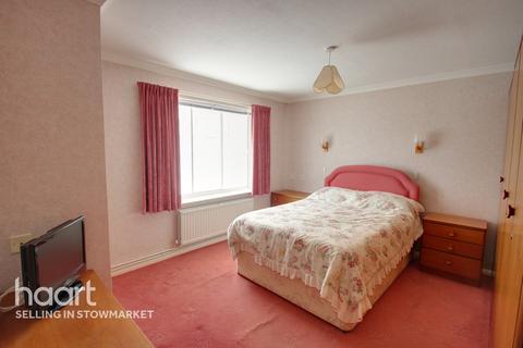 3 bedroom detached bungalow for sale - West View, Stowmarket