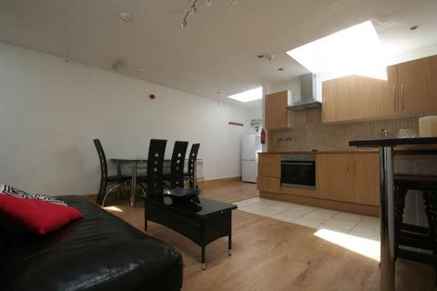 2 bedroom flat to rent - Cowley Road, East Oxford