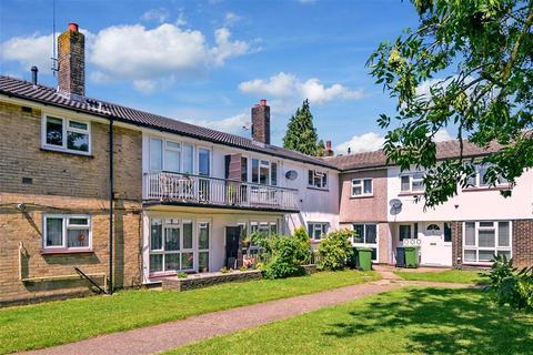 2 bedroom ground floor flat for sale - Chetwode Road, Tadworth, Surrey