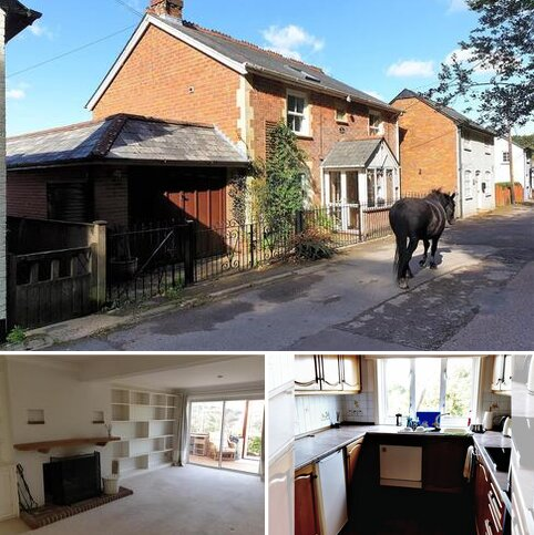 3 bedroom cottage to rent - Silver Street, Emery Down SO43