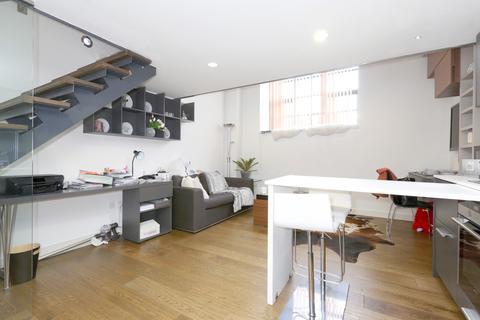 1 bedroom flat - Blandford St, London W1U