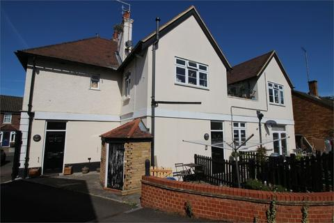 2 bedroom flat for sale - Fountain Court, 19, Fountain Place, Waltham Abbey, Essex