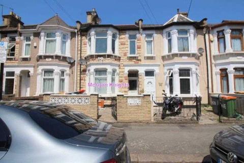 4 bedroom terraced house to rent - Milton Avenue, East Ham, E6