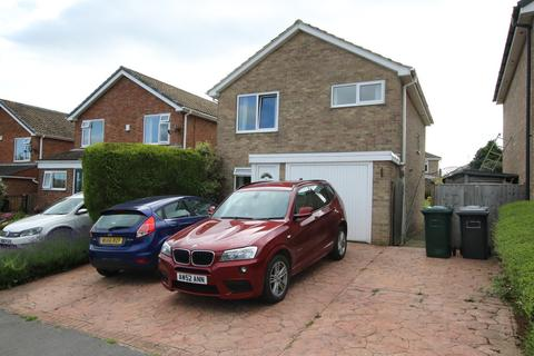 3 bedroom detached house for sale - Park Drive, Shelley, HD8 8HE