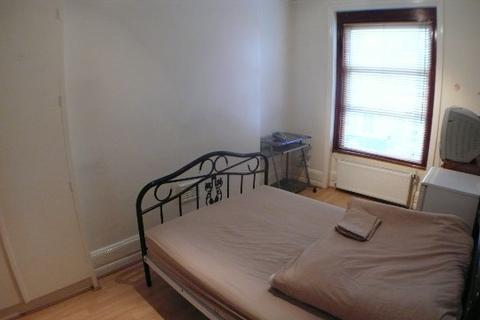 1 bedroom house to rent - Room Hornsey Road, Special covid19 deals - enquire for details! London, N19