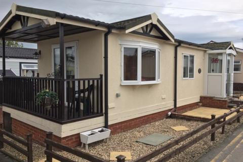 2 bedroom mobile home for sale - Willow Park, Mancot, Deeside