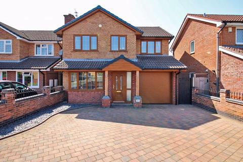 4 bedroom detached house for sale - Nevis Grove, Coppice Farm, Willenhall