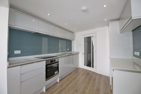 3 bedroom house to rent - Queens Road , Near Cheltenham Spa, Cheltenham