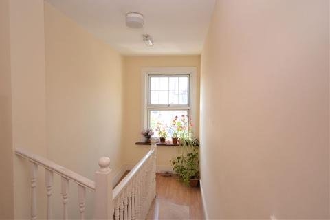 2 bedroom apartment to rent - Spacious Two Bedroom Flat to Let, Finchley High Road, N12 (£1,450pcm)