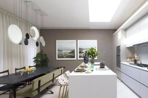 3 bedroom maisonette to rent - Russell Court, London, SW1A