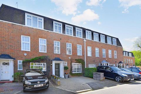 4 bedroom terraced house to rent - The Marlowes, London, NW8