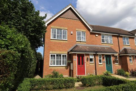3 bedroom end of terrace house for sale - Beaver Road, Allington, Maidstone