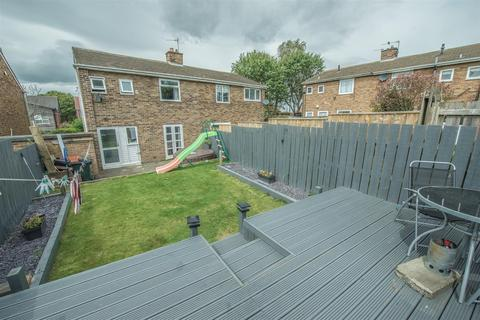 3 bedroom semi-detached house for sale - Beacon Rise, Gateshead