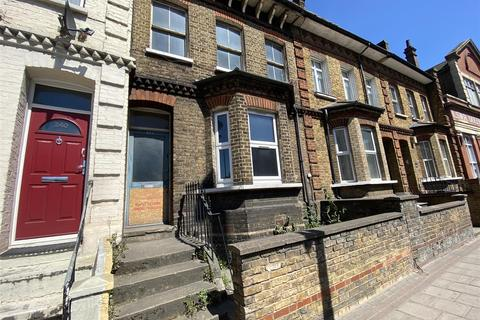 2 bedroom house for sale - Queenstown Road, London