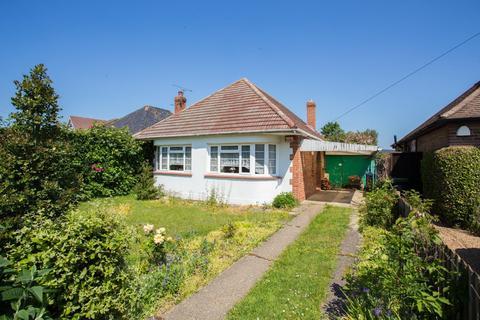 3 bedroom detached bungalow for sale - Grange Road, Broadstairs