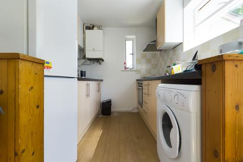 4 bedroom semi-detached house to rent - Nyetimber Hill, Brighton BN2