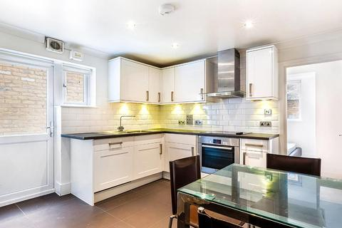3 bedroom flat for sale - Ballater Road, London, SW2