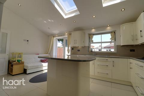 3 bedroom semi-detached house for sale - Highfield Avenue, Lincoln