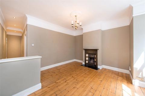 2 bedroom flat - St. Albans Avenue, Chiswick, London
