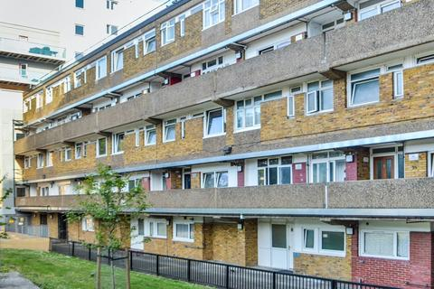 3 bedroom flat for sale - Pegswood Court, Shadwell E1