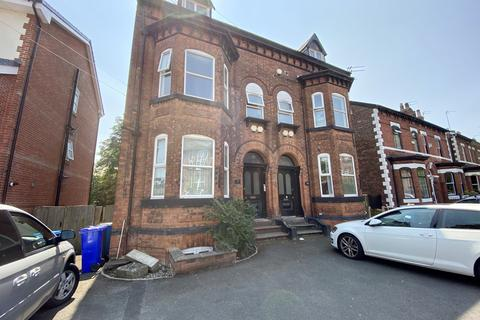5 bedroom flat to rent -  37 Osborne Road,  Manchester, M19