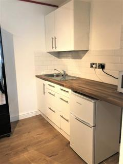Studio to rent -  Buckingham Road, Room 1, London, E18