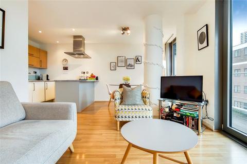 2 bedroom flat for sale - Azura Court, 48 Warton Road, London, E15