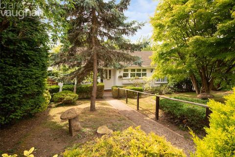 3 bedroom bungalow for sale - Varndean Close, Brighton, East Sussex, BN1