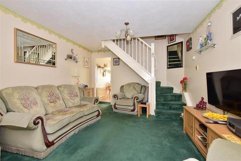 2 bedroom semi-detached house - Macgregor Drive, Wickford, Essex
