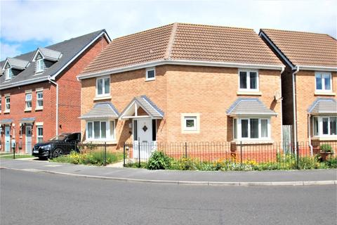 3 bedroom detached house for sale - Olwen Drive, Hebburn