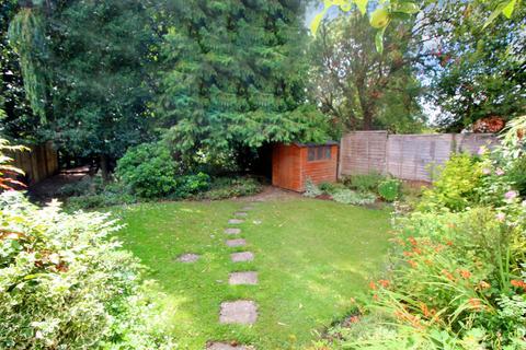2 bedroom cottage for sale - Storrington - centre village location