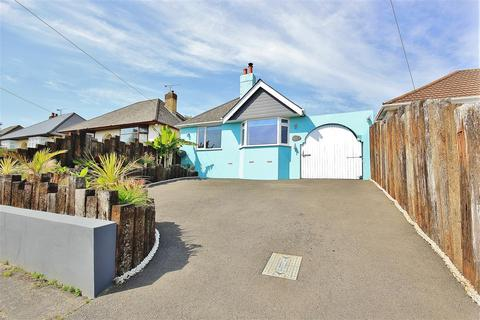 2 bedroom bungalow for sale - Connaught Crescent, Parkstone, Poole