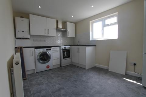 2 bedroom flat to rent - Cheam, SM3