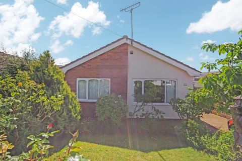 2 bedroom detached bungalow for sale - Garwyn Avenue, Meliden