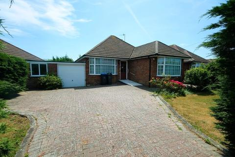 3 bedroom detached bungalow for sale - Barfield Park, Lancing BN15 9DF