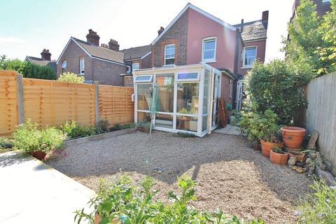 3 bedroom semi-detached house to rent - Lawn Road, Tonbridge