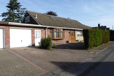 5 bedroom detached bungalow to rent - Tennis Avenue, Melton Mowbray, LE13 0RB