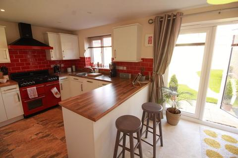 1 bedroom house share to rent - Large Double, Bridget Gardens, Newcastle Upon Tyne