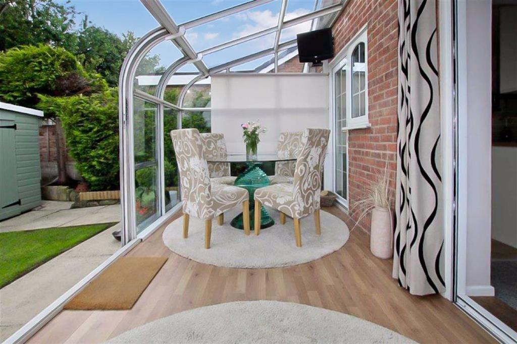 Conservatory / Sun Room: