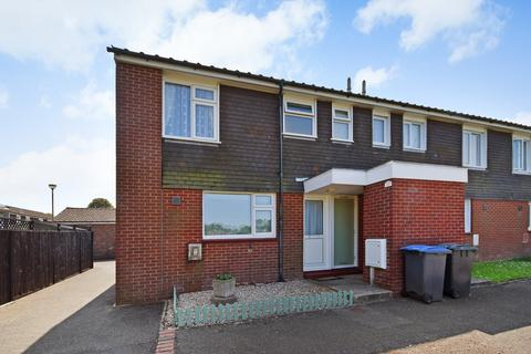 2 bedroom end of terrace house for sale - Anzio Crescent, Guston, Dover, CT15