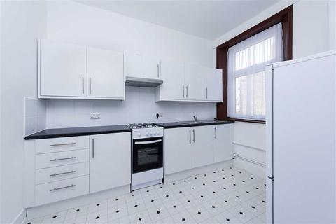 2 bedroom flat to rent - High Road, Leyton, E15