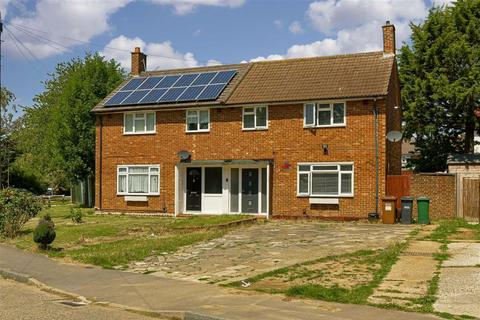 3 bedroom semi-detached house for sale - Bidhams Crescent, Tadworth, Surrey