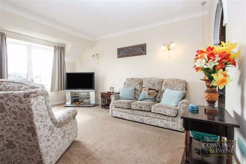 1 bedroom apartment to rent - Home Holly House, Wickford, Essex