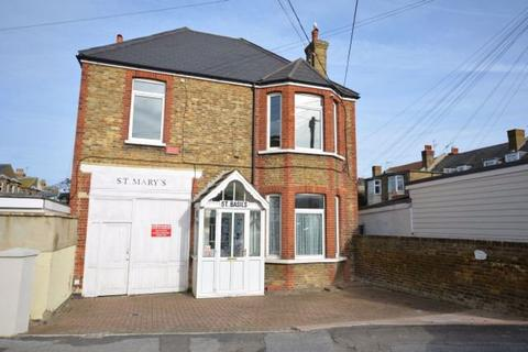Property to rent - Cumberland Lodge, Cumberland Road, CT9 2JZ