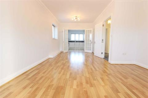3 bedroom maisonette to rent - Chesham Court, London
