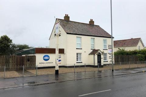 Office to rent - Royal Oak House, 122 North Walsham Road, Norwich, NR6