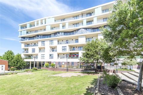 3 bedroom apartment for sale - Ravensbourne Court, 1 Amias Drive, Edgware, HA8