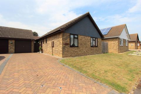 3 bedroom bungalow for sale - Tormore Park, Deal, CT14