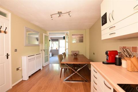 2 bedroom maisonette for sale - Bazes Shaw, New Ash Green, Longfield, Kent