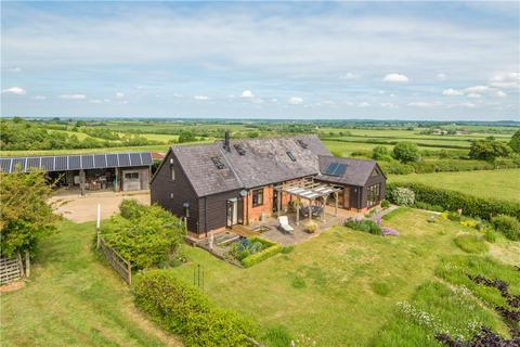 4 bedroom barn conversion for sale - Meadway, Oving, Aylesbury, Buckinghamshire, HP22